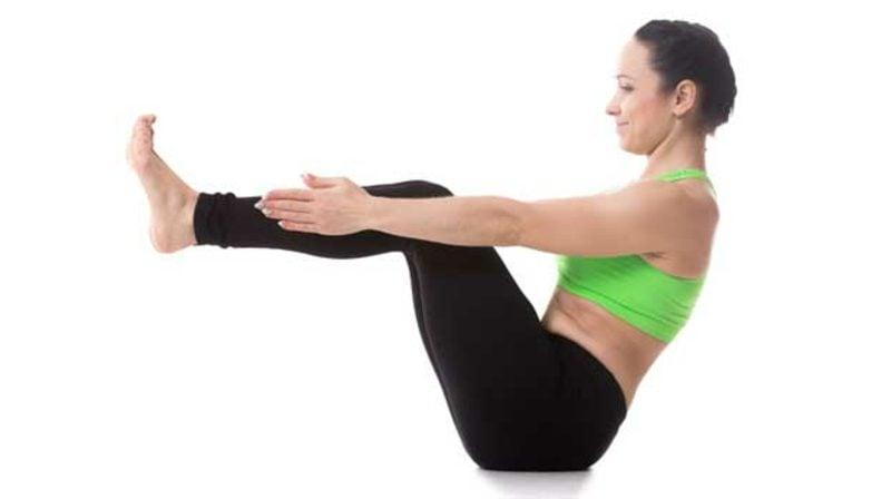 übungen für den bauch yoga machen pose das boot