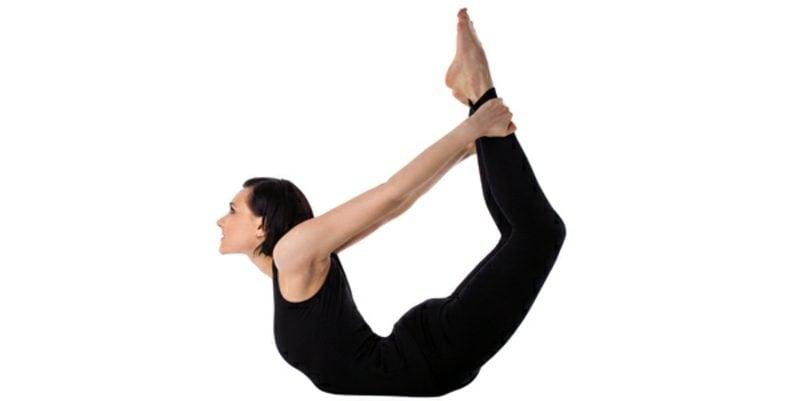 Bauchfett loswerden Yoga machen Pose der Bogen
