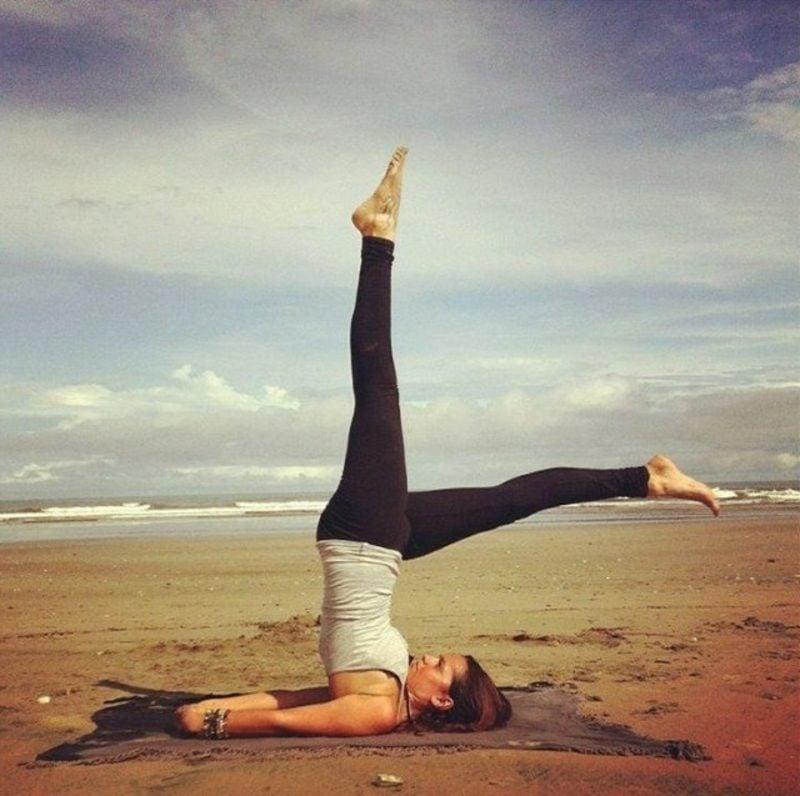 Bauchübungen Yoga Asanas die Kerze