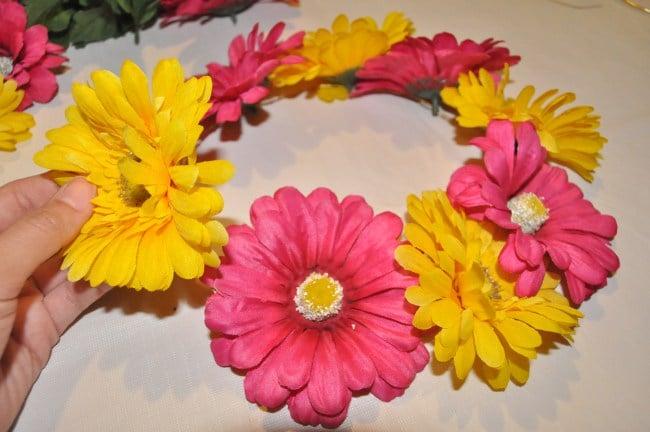 Blumenkranz selber machen Kunstblumen