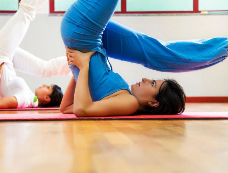 Workout Übungen mit Pilates die Beine fit halten