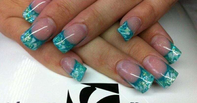 Nageldesign Spitzen French Nails Gellack breite Spitzen in Türkischblau