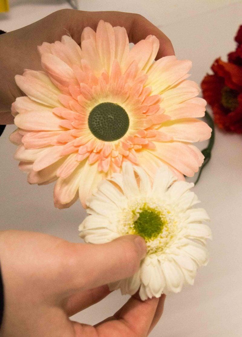 Haarschmuck Blumen: Gerbera Haarsprange selber machen