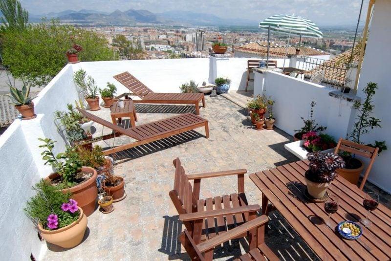 dachterrasse gestalten ideen tipps terrassenmöbel pflanzen