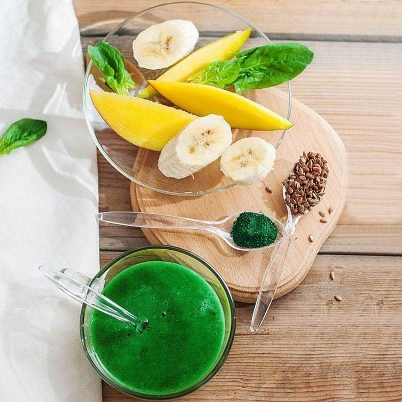 Leinsamen kaufen Smoothie mit Bananen und Mango zubereiten