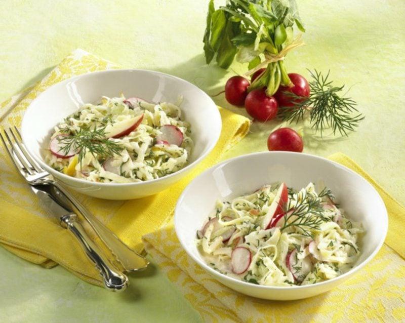 Radieschen gesund frischer Salat mit Kohlrabi und Radieschen Rezept
