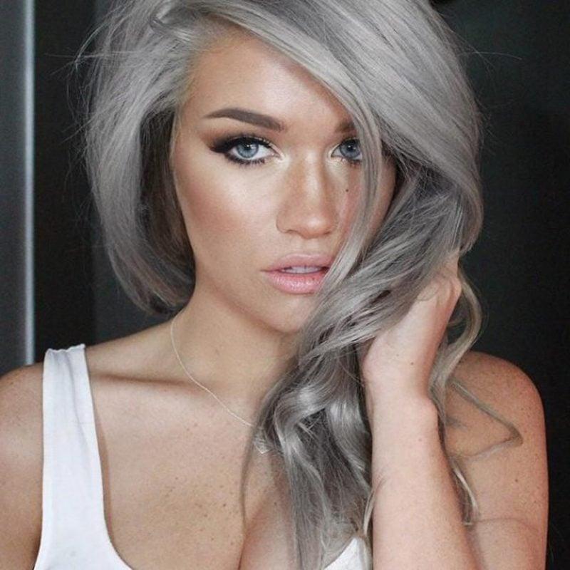 Grautöne passen hervorragend zu Blonden