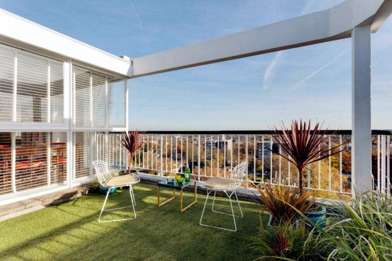dachterrasse gestalten ideen tipps terrassenmöbel metall