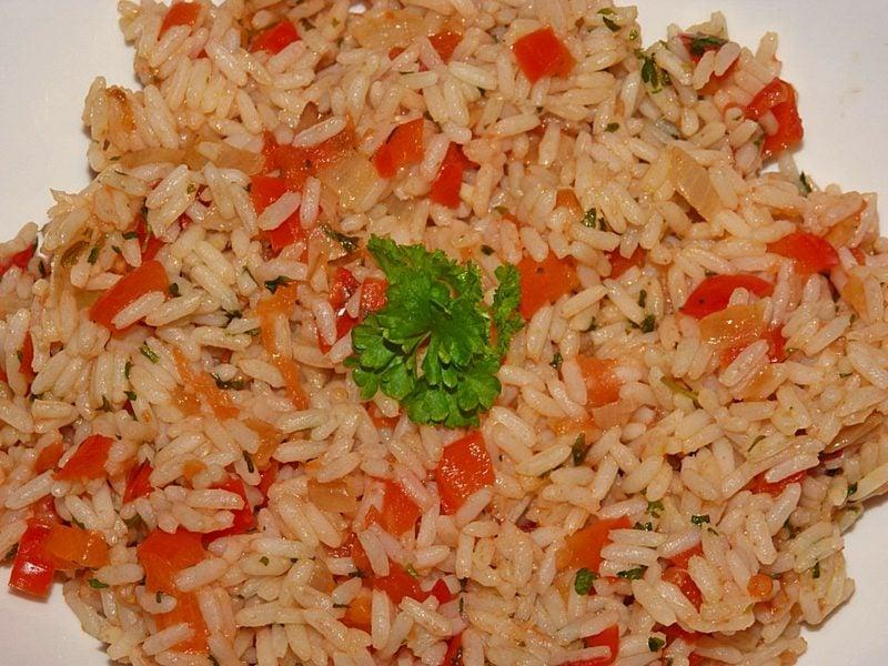 Reisgerichte vegetarisch Reis auf mexikanischer Art