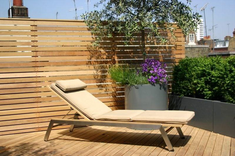 dachterrasse gestalten ideen tipps terrassenmöbel sofa sichtschutz
