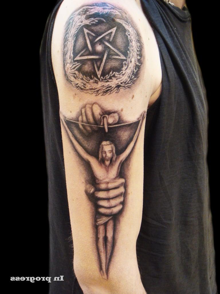 Pentagram Tattoo Unterarm