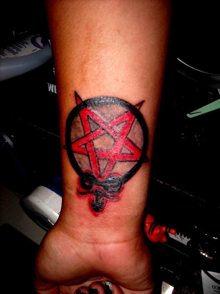 Pentagram Tattoo: Bedeutung und wo wird es tätowiert?