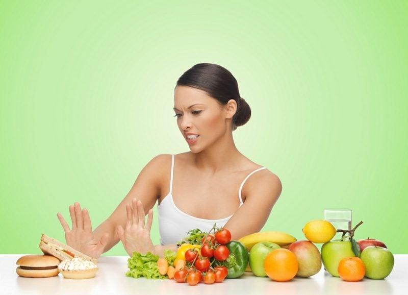 Abnehmen auf ungesunde Nahrung verzichten
