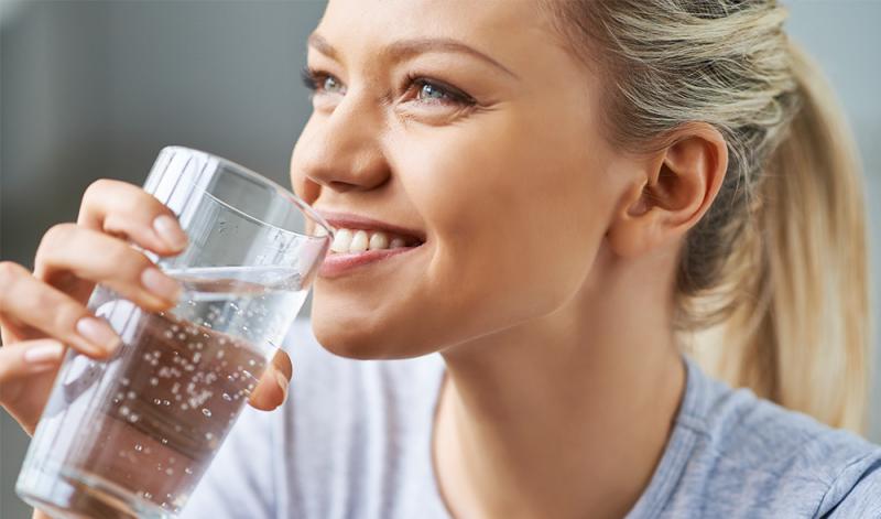gesund und schnell abnehmen genug Wasser trinken
