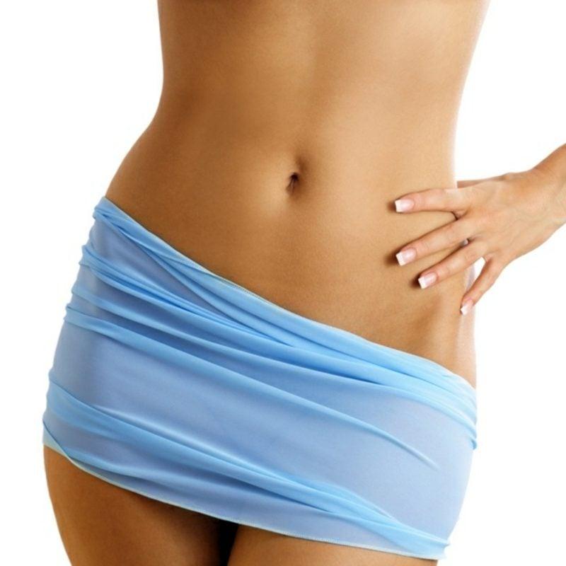 flacher Bauch Frau für zwei Wochen abnehmen