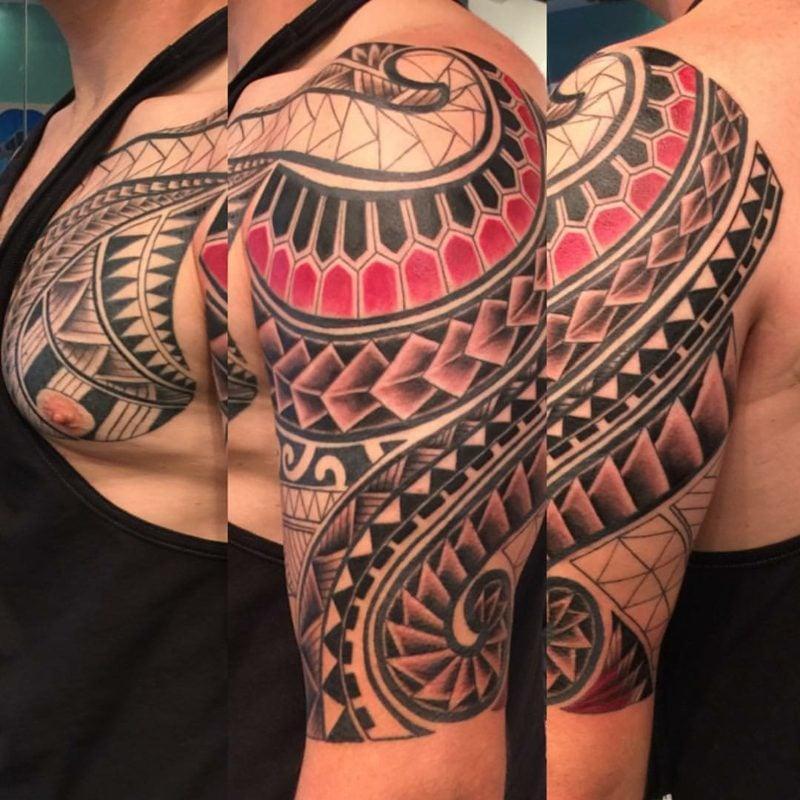 tattoo brust frau schrift brust tattoo schrift