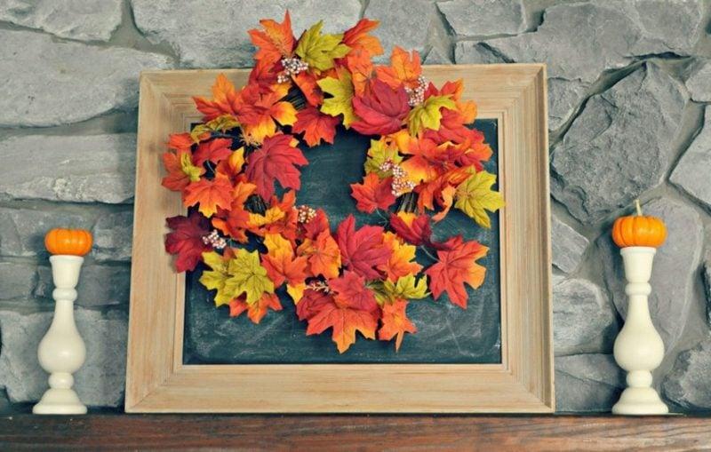 Herbstdeko Kranz aus bunten Blättern