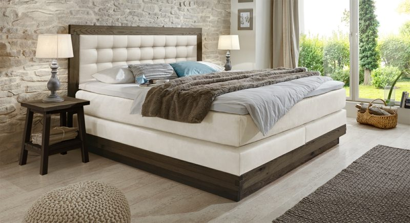 Queensize Bett massiv modernes Design