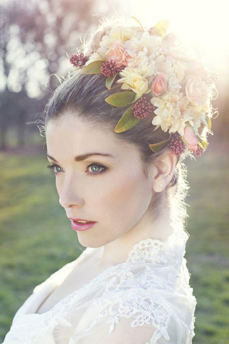 Brautfrisuren mit Schleier kreative Ideen
