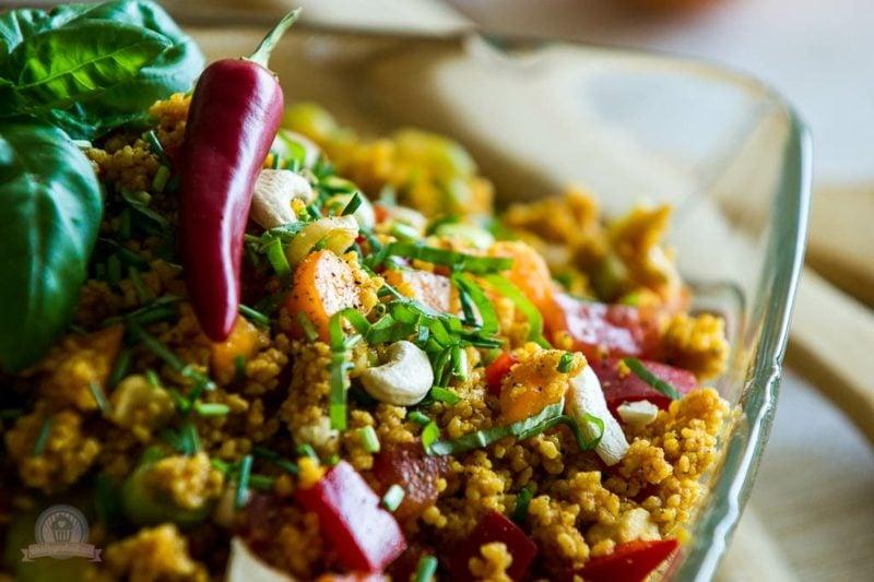 Couscous gesund pikanter Salat mit Chilli