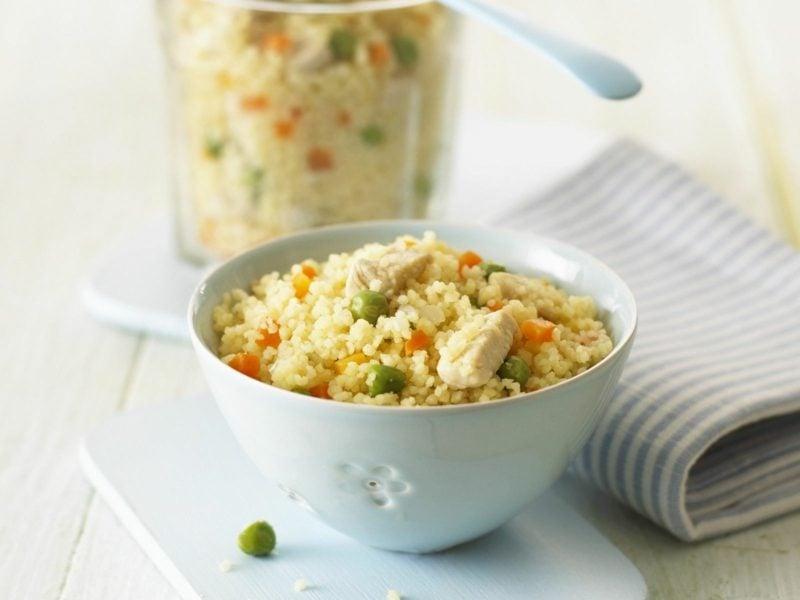 Couscous gesund Rezepte Salat mit Erbsen, Fleisch und Karotten