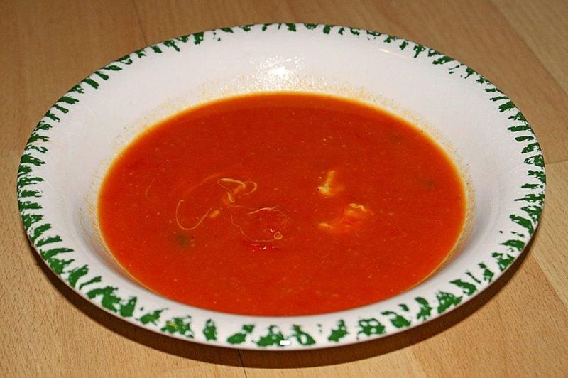 gesundes Abendessen Cremsuppe Tomaten
