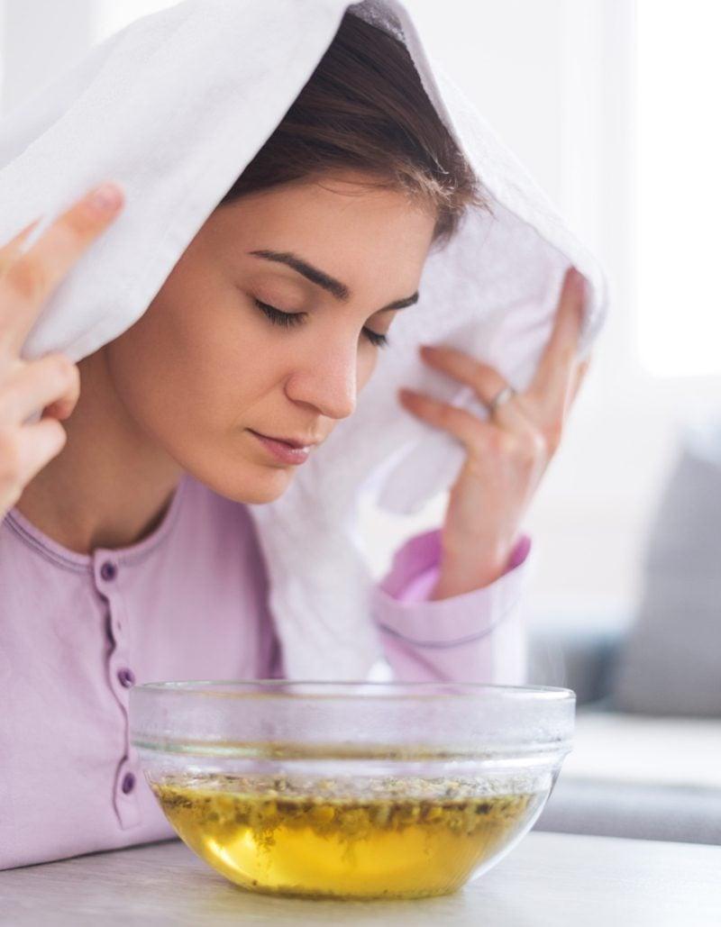 Dampfbad für das Gesicht Nasennebenhöhlenentzündung Hausmittel