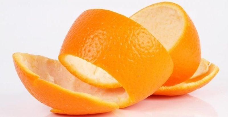 Dampfbad gegen Pickel mit Orangenschalen