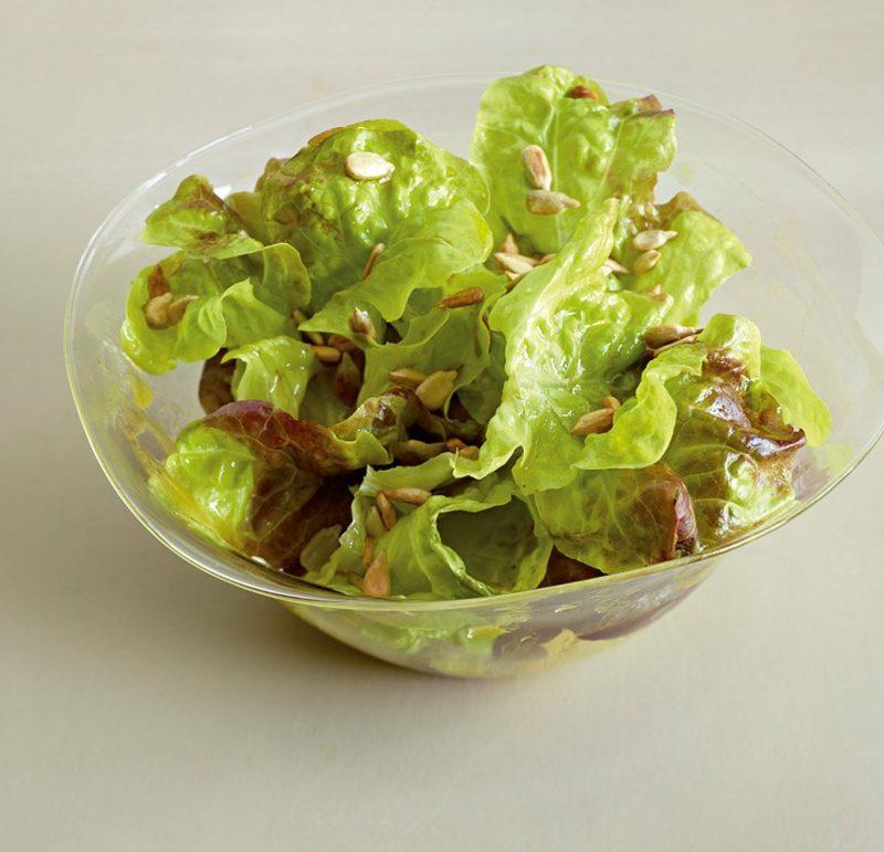 Low Carb Rezepte zum Abendessen Eichblattsalat mit Dressing