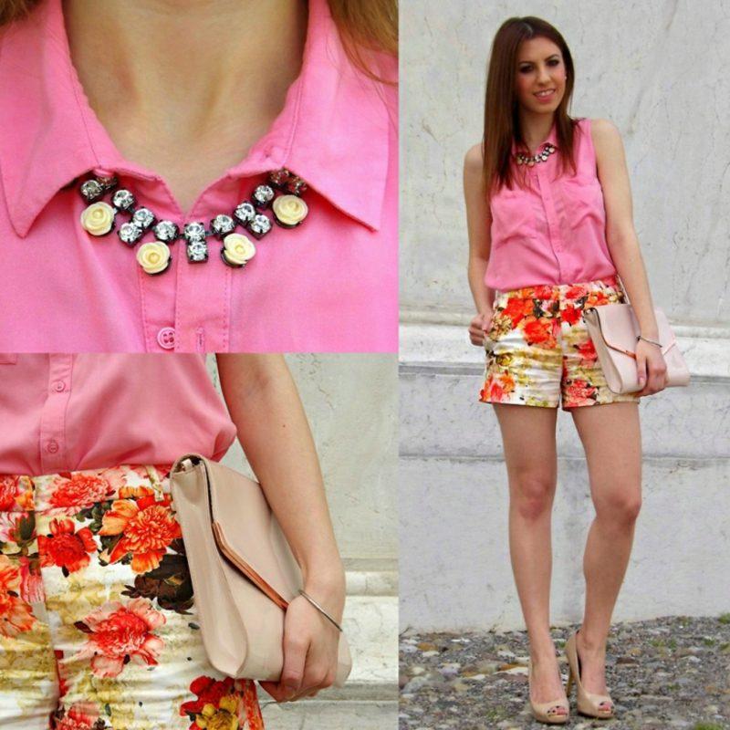 Bermuda Hose kurz florale Motive rosa Hemd Clutch