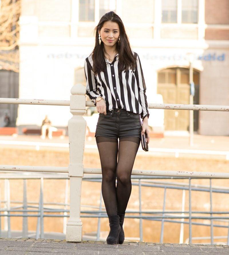 kurze Hose Damen schwarz Leder Hemd Streifen Clutch