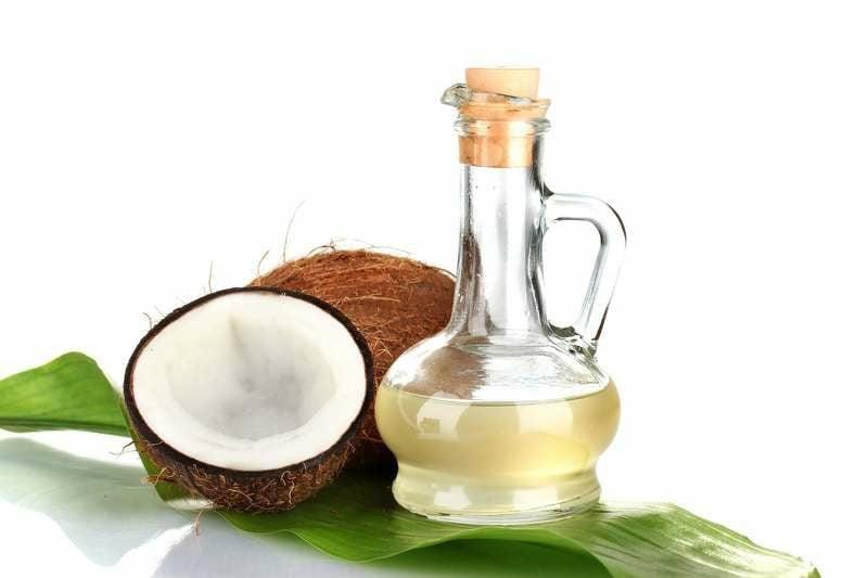 Kokosöl nativ gegen juckende Kopfhaut