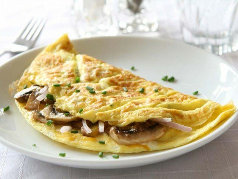 kohlenhydratarme Ernährung Omelett mit Champignons