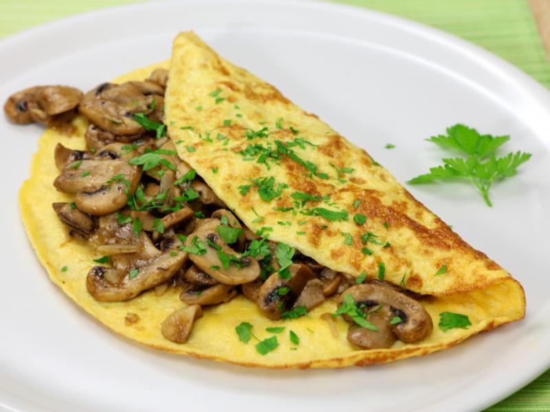no carb Rezepte Omelett mit Champignons und Spinat