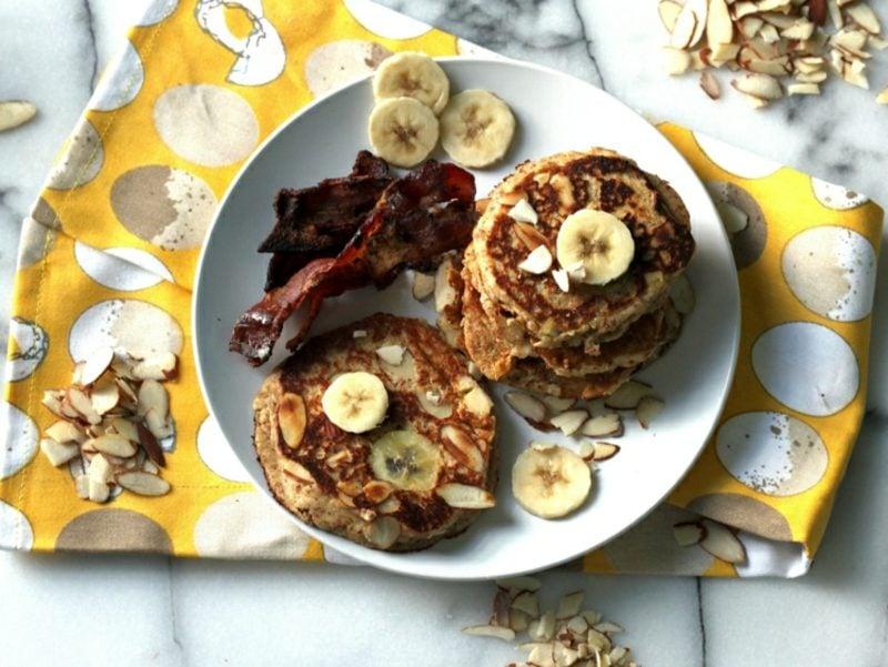 Bananen Pancakes ohne Mehl und Zucker