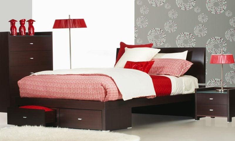 Queen Size Bett Holz Braun elegantes Design
