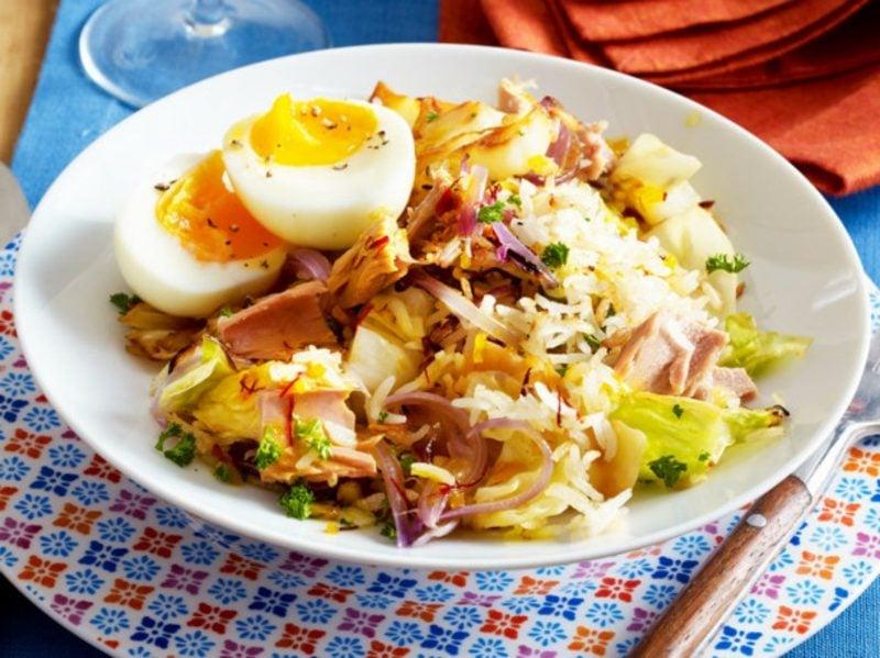 gesund abnehmen Rezepte Reispfanne Spitzkohl Eier Thunfisch