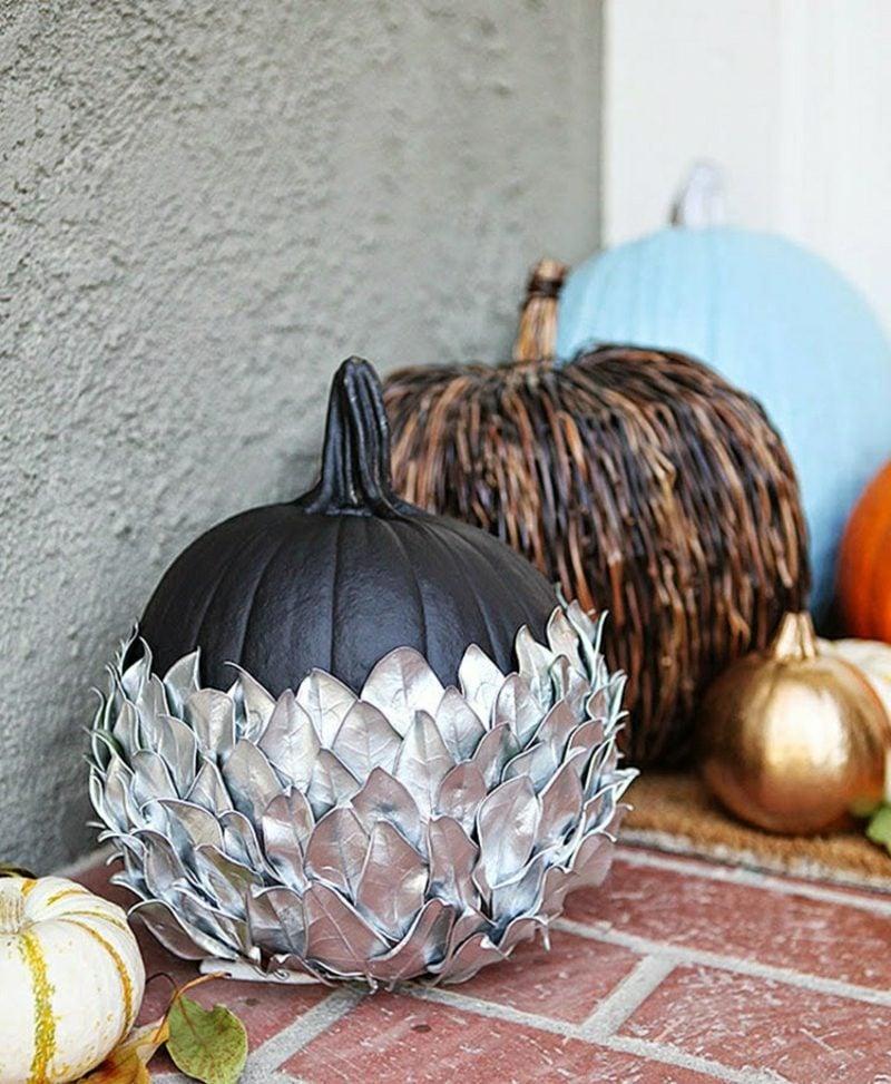 Herbstdeko mit Kürbissen die Terrasse dekorieren