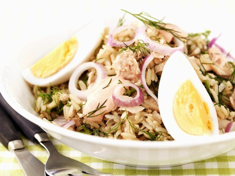 gesunde Rezepte Mittagessen Abendessen Thunfisch Spitzkohl Eier Zwiebeln