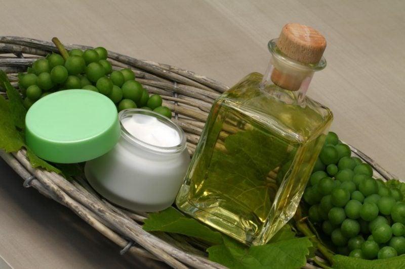 Hausmittel gegen fettige Haare Traubenkernöl