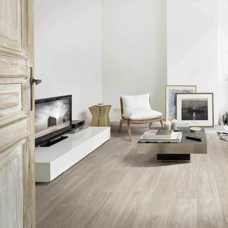 Designboden verbindet die Eigenschaften von Parkett und Laminat