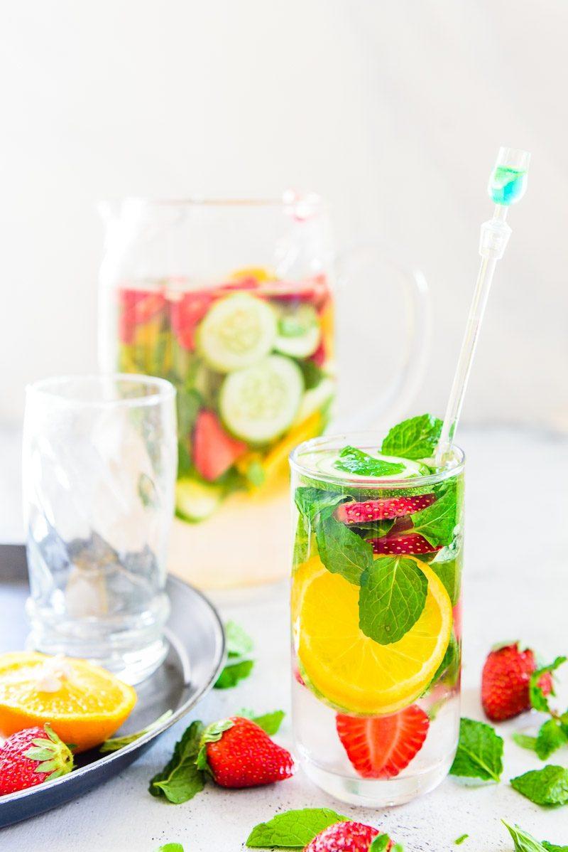 Kostliches Detox Wasser Reinigt Ihren Korper Und Verbrennt Fett