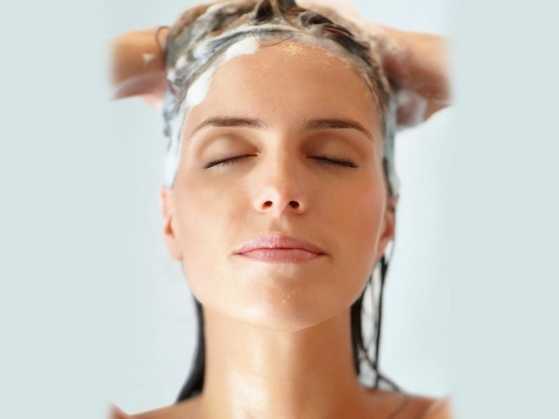 Schampoo gegen fettige Haare ohne Silikon verwenden