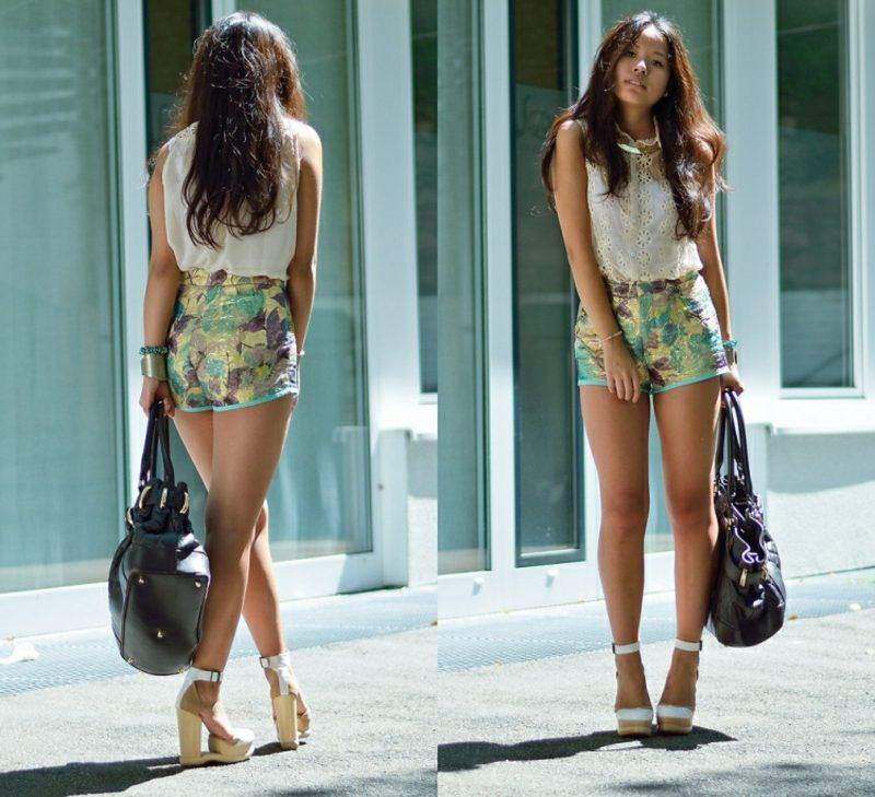 florale Hotpants Damen weisses Top Ledertasche