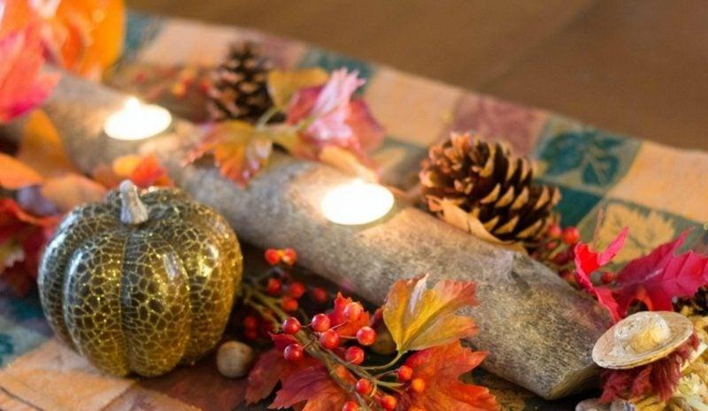 Herbstdeko Tisch natürlicher Look