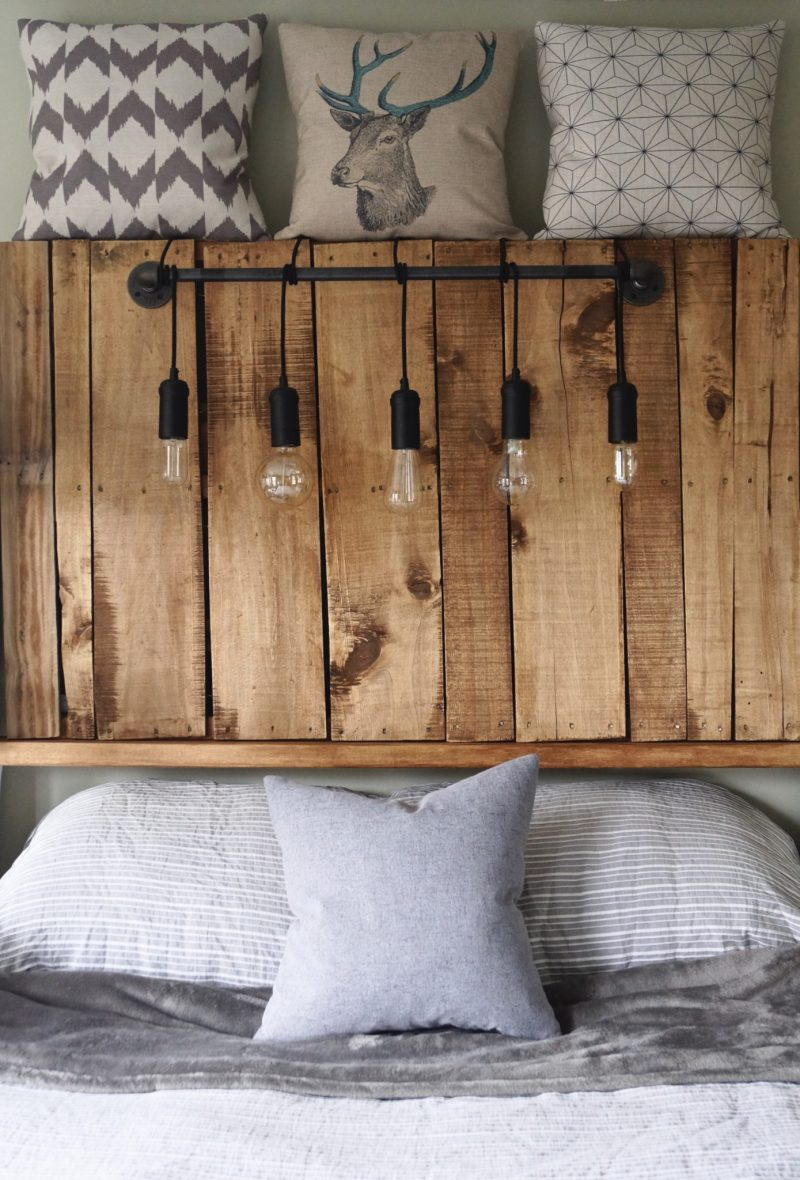 Kopfteil aus Paletten selber bauen: DIY Anleitung