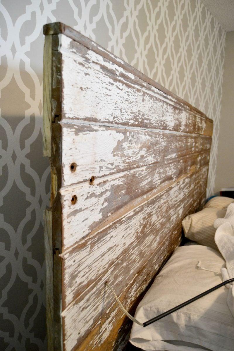Bett aus Europaletten Kopfteil bauen - Anleitung