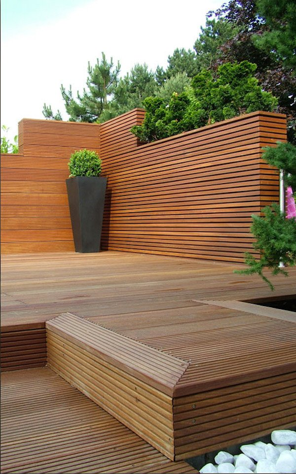 Beton Pflanzkübel mit Holz kombiniert