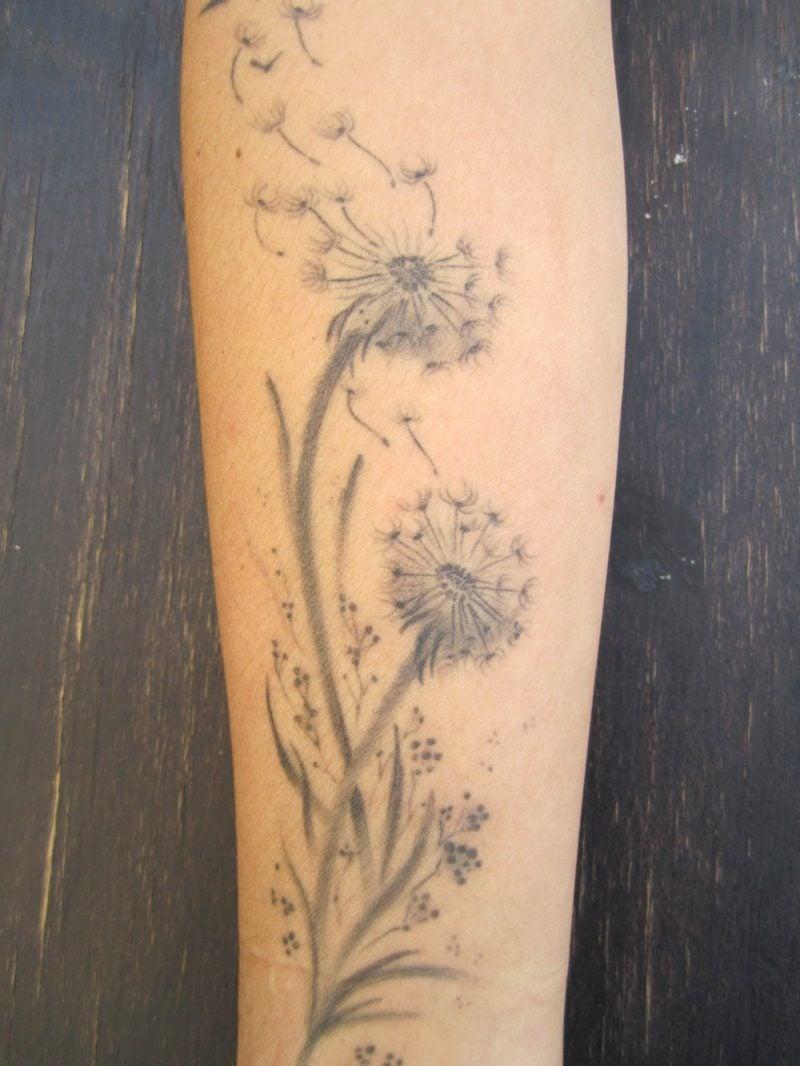 tattoo pusteblume