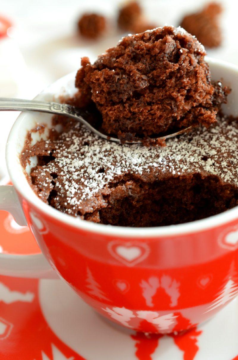 Backen ohne Ei veganer Tassenkuchen mit Schokolade